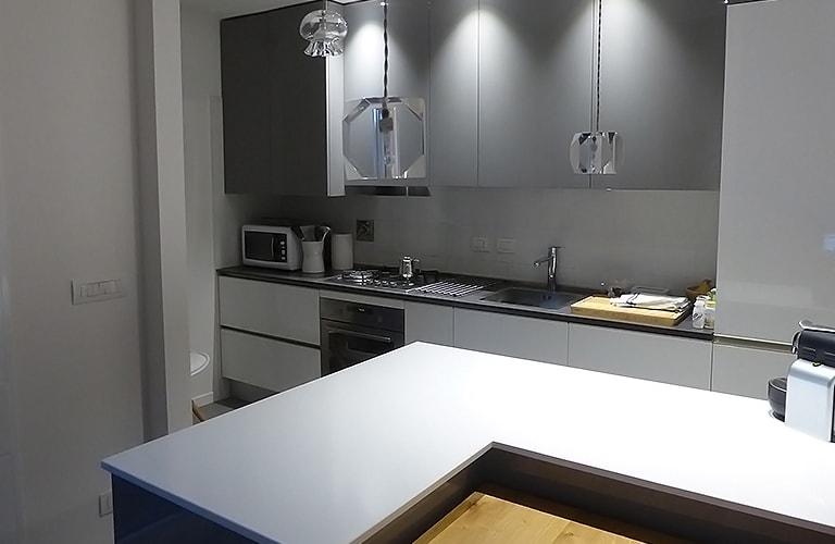 Berozzi home soluzioni per l 39 arredamento su misura - Cucina con bancone ...